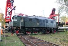 DSCN7694 Spedition Kübler Schwertransport Lokomotive Frankfurt E 04 20