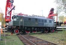 DSCN7694 Spedition Kübler Schwertransport Lokomotive Frankfurt E 04 20